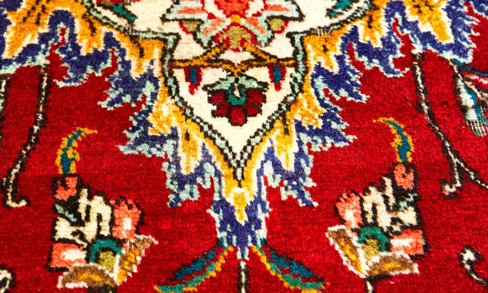 Teppichlöcher flicken